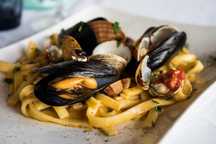 Folklore tra cibo e storia, Napoli